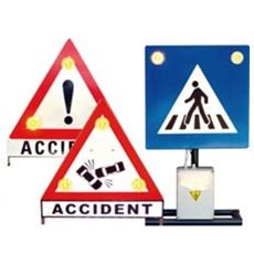 indicatoare rutiere cu flash-uri pentru prevenirea si avertizarea unor accidente