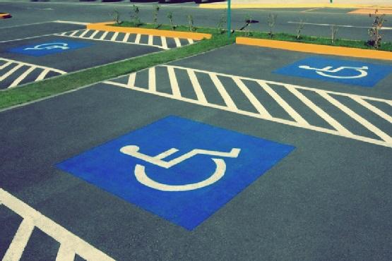 aplicare marcaje rutiere pentru parcari
